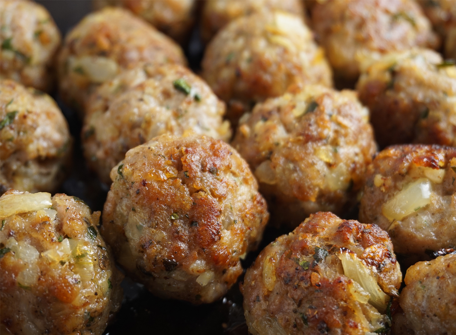 Homemade Sage and Onion Sausagemeat Stuffing: tell Paxo & co. to get stuffed